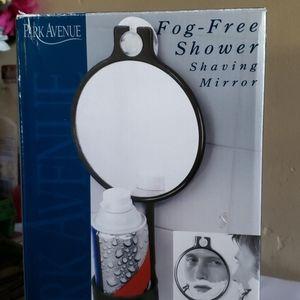 Park Avenue fog free shower shaving mirror